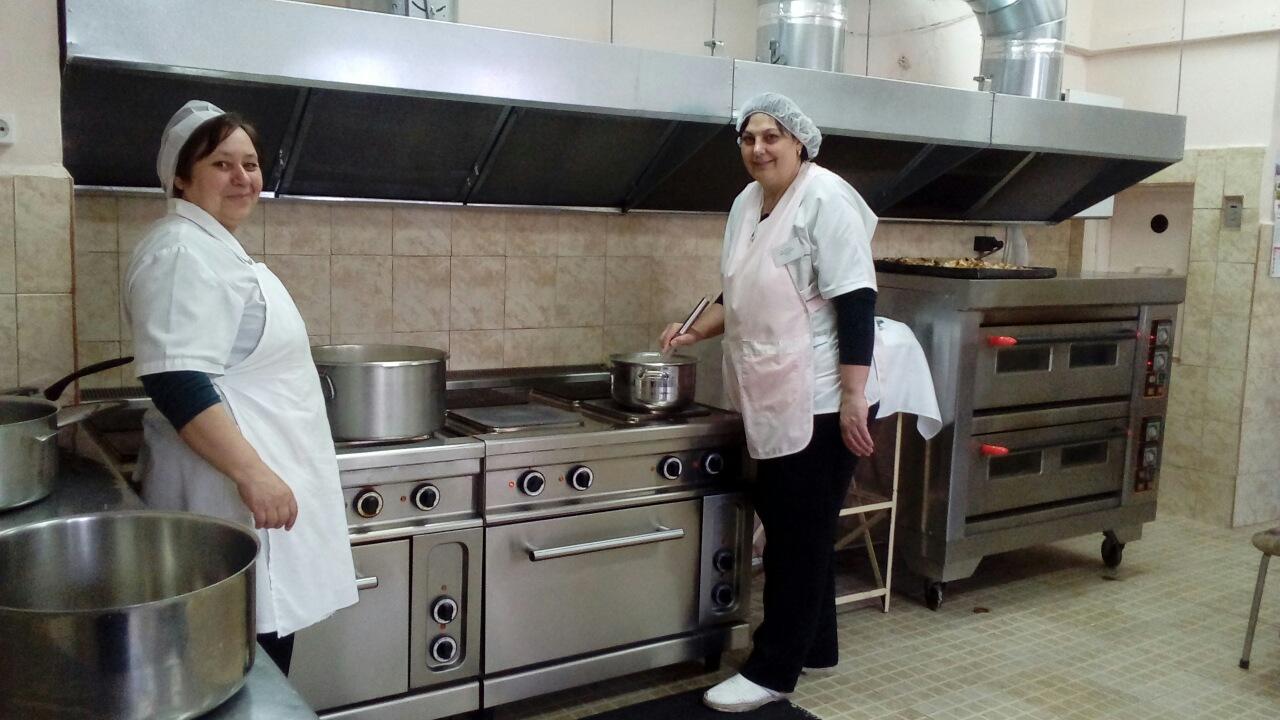 Ганиме Сюлейман и Весела Димитрова - готвачки ДГ